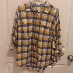 ST JOHN'S BAY 3/4 length button up shirt